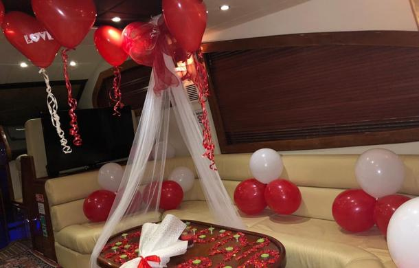 Romantic yacht decoration for proposal